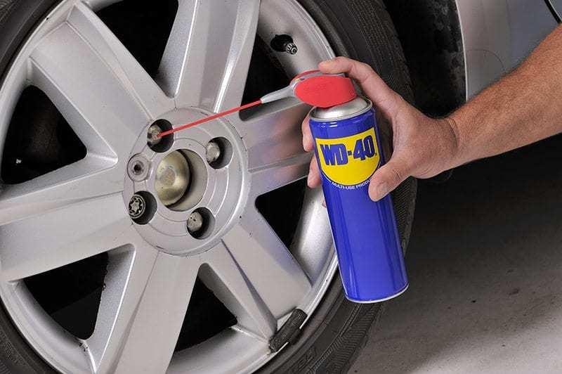 Mantenimiento de los neumáticos y como cambiar una rueda de coche
